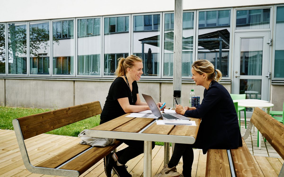 Outdoor-office-MHC_1600x1000px